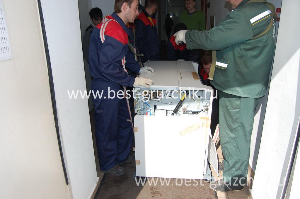 Такелажные работы: извоз МФУ весом 000 кг